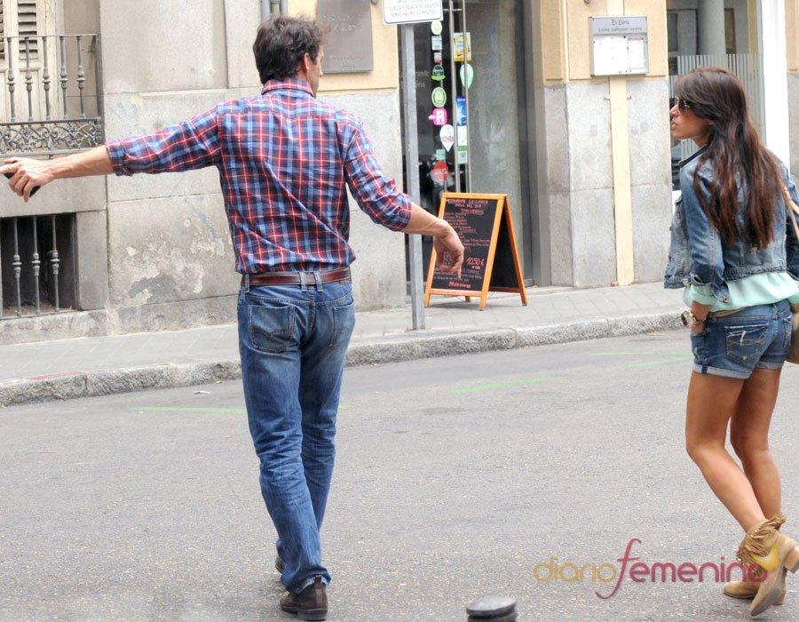 El look casual de Sonia Ferrer y Álvaro Muñoz Escassi