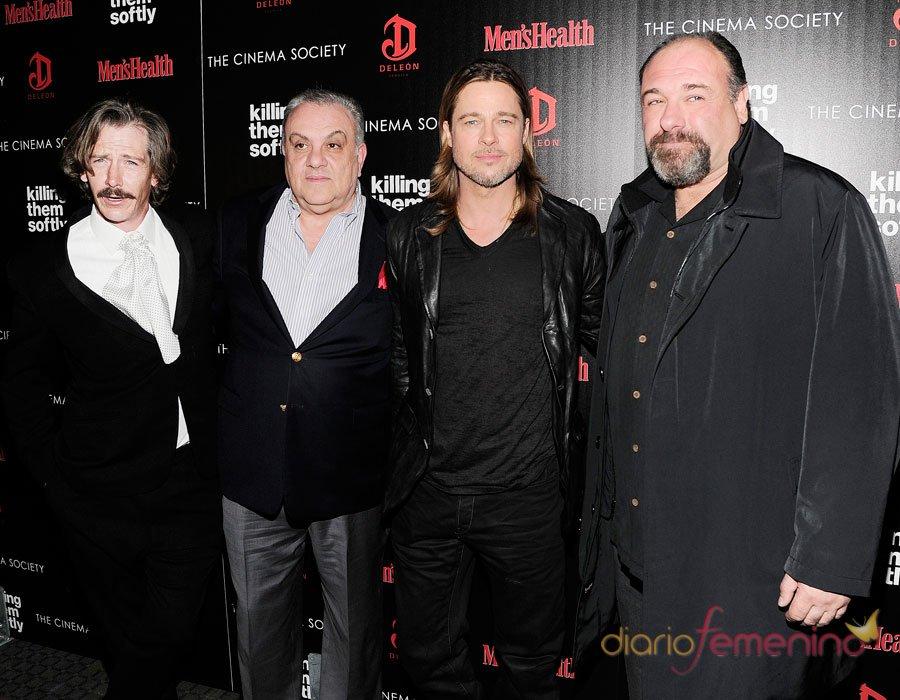 James Gandolfini (Tony Soprano) con Brad Pitt