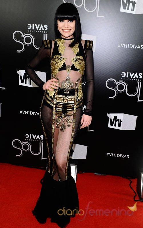 La cantante Jessie J también se anima a las transparencias