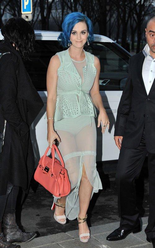 El extravagante look transparente de Katy Perry