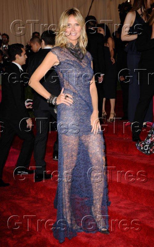 Heidi Klum, radiante con un vestido repleto de transparencias