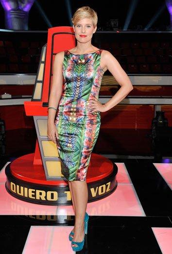 Tania Llasera posa en el plató de 'La Voz'