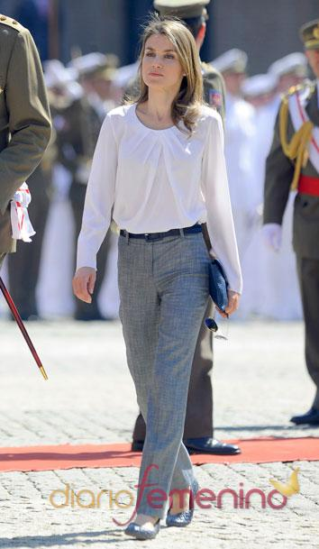 El look de Letizia en un acto militar