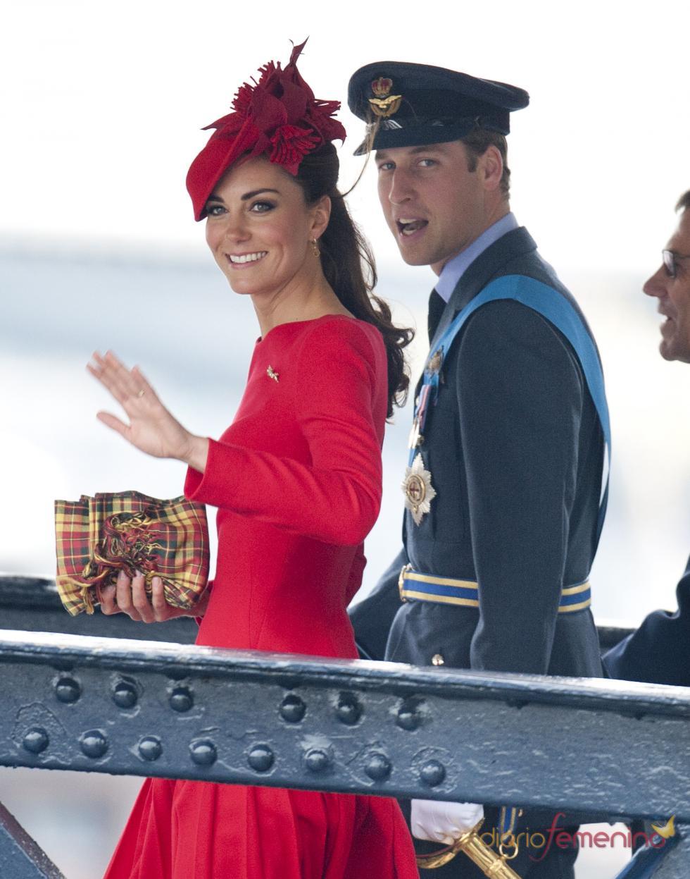 El bebé de Kate Middleton y el Príncipe Guillermo ha nacido para alegría de la Familia Real