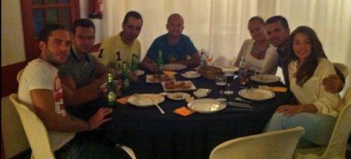 Sonia Walls y Kristian de GH 14 de cena familiar