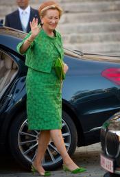 El look de la reina Paola en la ceremonia de coronación de Felipe de Bélgica