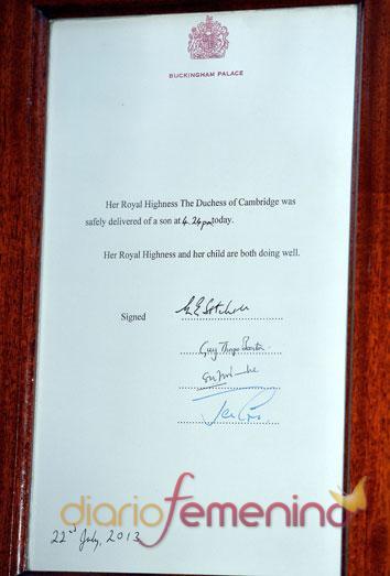 El documento oficial que anuncia el nacimiento del bebé de Kate y Guillermo