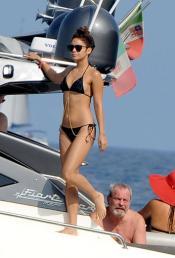 Vanessa Hudgens, cuerpazo en bikini