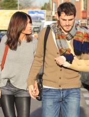 Sara Carbonero al cuidado de su novio Iker Casillas