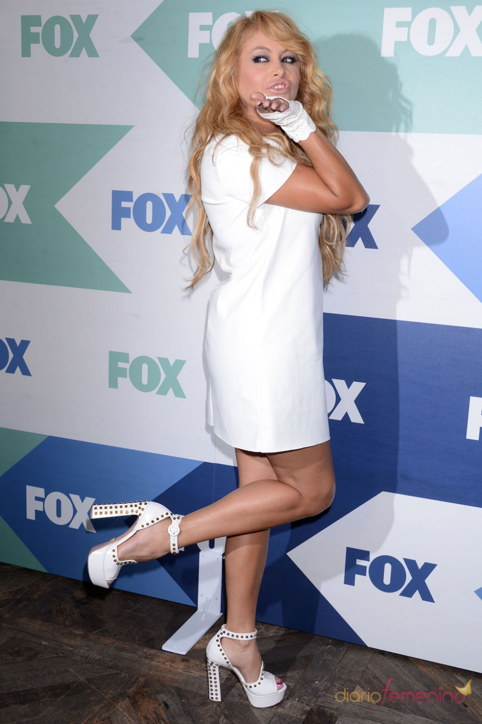 Paulina Rubio en la fiesta de la cadena de televisión FOX en California
