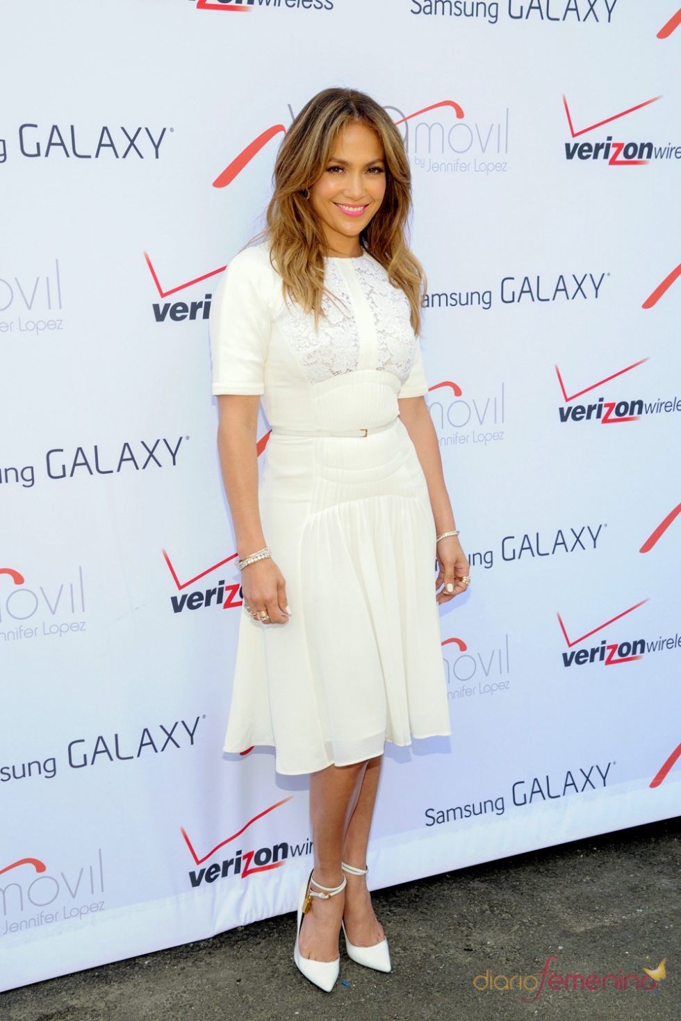 Video del vestido blanco de jennifer lopez