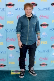 Ed Sheeran no quiso perderse la gala de los Teen Choice Awards 2013