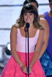 Lea Michele se emocionó al recordar a Cory Monteith durante los TCA 2013