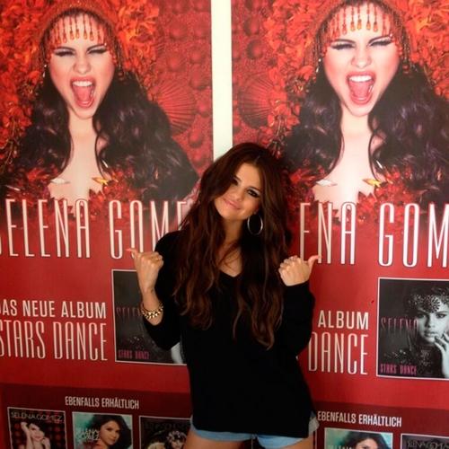 Selena Gomez agradecía en Twitter su nominaciones en los MTV VMA 2013