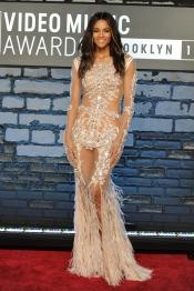 Ciara en la alfombra roja de los MTV VMA 2013