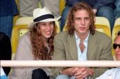 Tatiana Santo Domingo y Andrea Casiraghi en un partido de fútbol benéfico