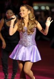 Ariana Grande lo da todo en cada uno de sus conciertos