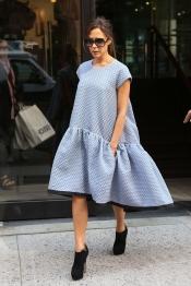El nuevo, y extraño, vestido de Victoria Beckham