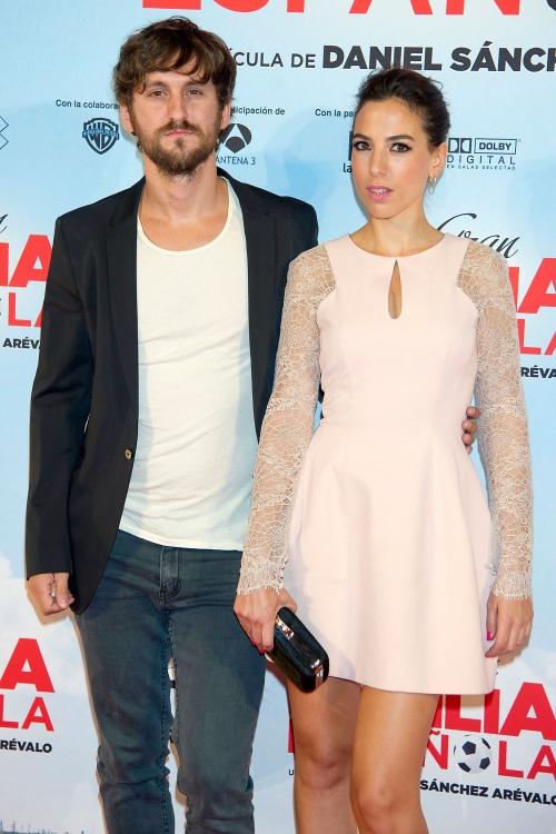 Raúl Arévalo y su novia, Alicia Rubio, en la premiere de 'La Gran Familia Española'