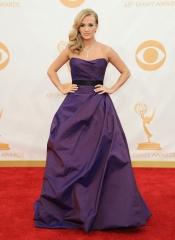 Carrie Underwood en la alfombra roja de los Emmy 2013