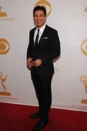 Mario López en la alfombra roja de los Emmy 2013