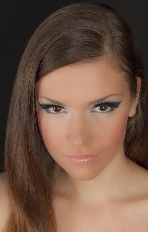 C mo maquillarse el rostro c mo maquillarse como una - Como pintarse las unas bien ...