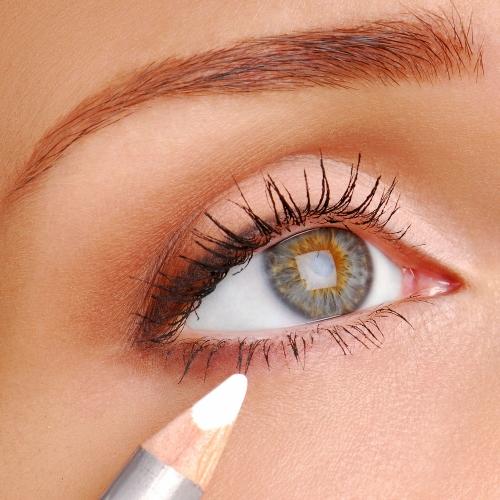 Cómo maquillarse con lápiz de ojos