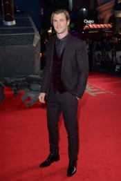 Chris Hemsworth, el guapo marido de Elsa Pataky, presenta Thor 2