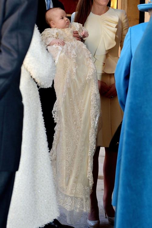 El vestido del Príncipe Jorge para su bautizo