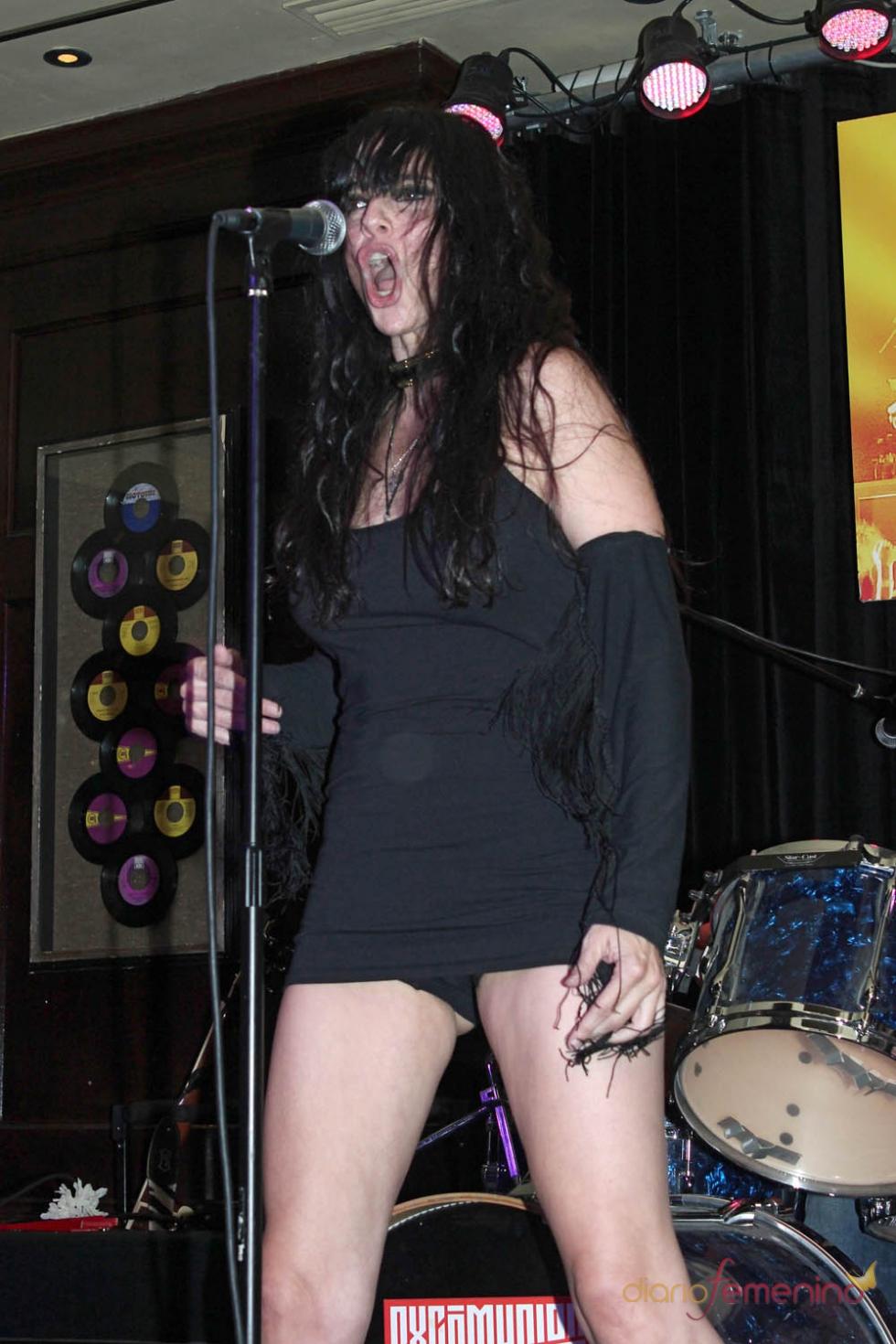 Famosa cantante desnuda descuido picture 918