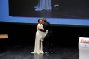 Beso tierno entre Eva Hache y Boris Izaguirre en los Men´s Health 2013