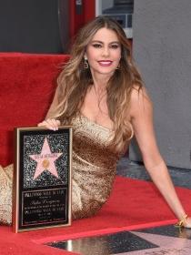 Sofía Vergara recibe su estrella en el Paseo de la Fama