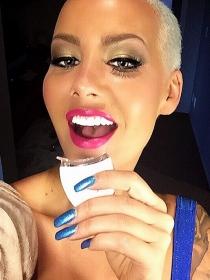 Cómo conseguir unos dientes blancos como las famosas