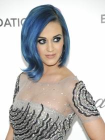 Las celebrities se rinden al pelo azul