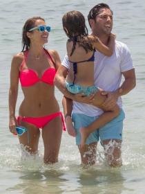 Paula Echevarría y David Bustamante, vacaciones de amor en Ibiza