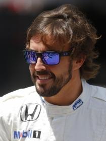 Fernando Alonso, el look del novio de Lara Álvarez