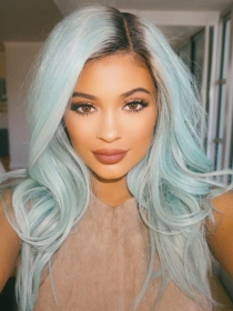 Kylie Jenner, pelucas y extensiones: mil cambios de look