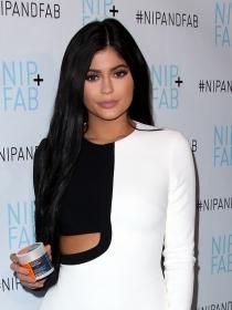 Kylie Jenner y las mejor vestidas de la semana