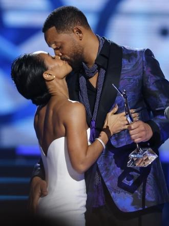 ¡Love is in the air! Los besos más apasionados de los famosos