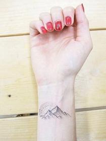 10 tatuajes pequeños para la muñeca