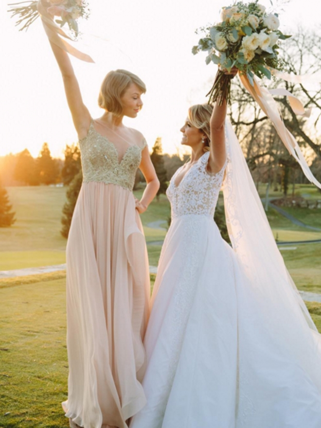 Taylor Swift y otras famosas damas de honor en bodas