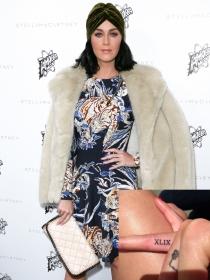 Katy Perry y otras famosas con tatuajes en los dedos