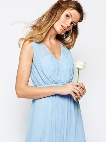 10 vestidos de novia de colores para bodas diferentes