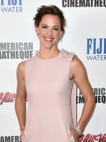 10 vestidos para una comunión inspirados en las celebrities