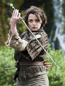 Juego de Tronos: Maisie Williams, los looks de Arya Stark
