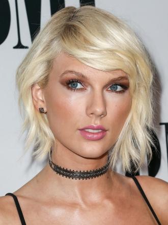 Taylor Swift y otras famosas convertidas en rubias platino