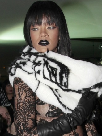 Dark Lips: Famosas con maquillaje de labios negro