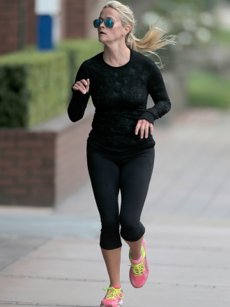 7 looks de Reese Witherspoon para hacer deporte divina