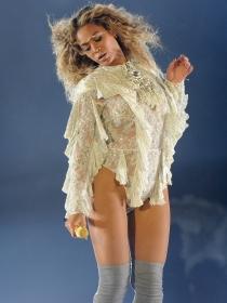 Beyoncé lanza su línea de ropa y accesorios 'Lemonade'