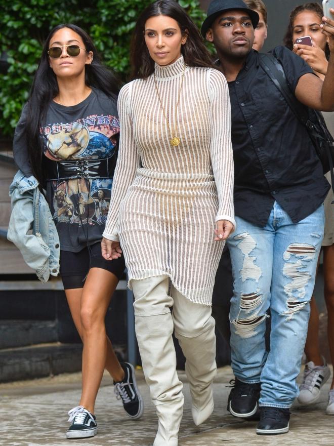 Kim Kardashian y otras famosas que adoran las botas altas